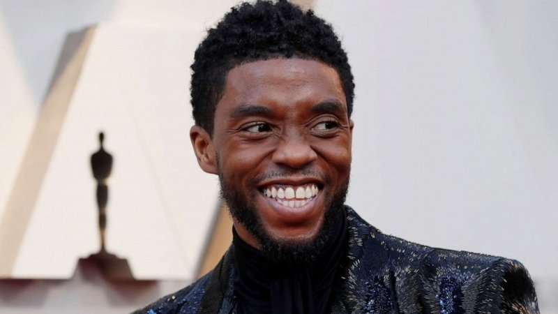 Fans want a Chadwick Boseman statue to replace a Confederate monument in his hometown | GMA