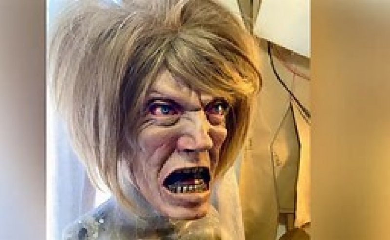 'The Karen' Is the Most Fitting Halloween Costume for 2020 ............This October, mask up like you want to speak to Halloween's manager.