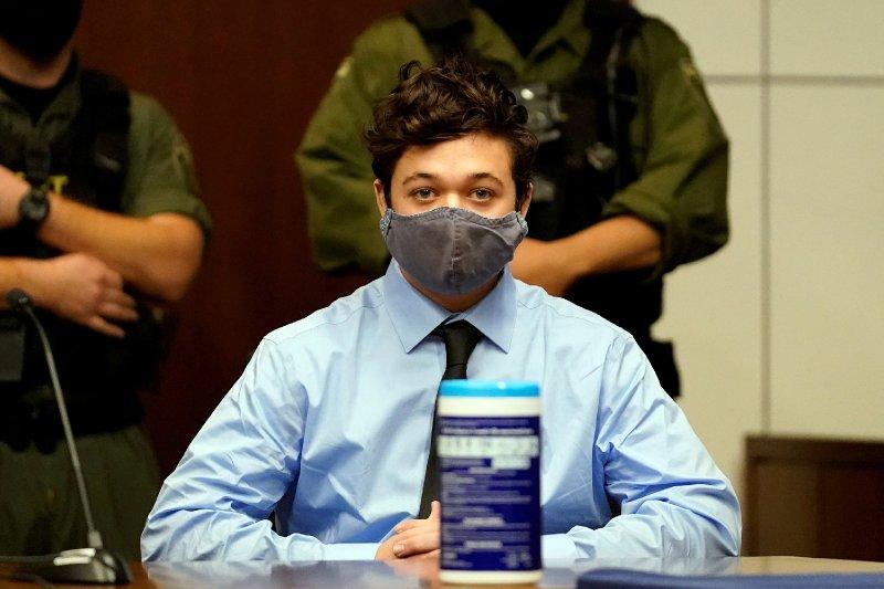 Prosecutors request arrest warrant for Kyle Rittenhouse after he allegedly violates bond
