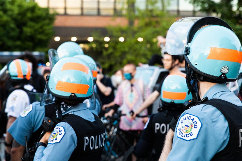 Police don't all act 'the same way': White officers use force more often, Chicago police study finds