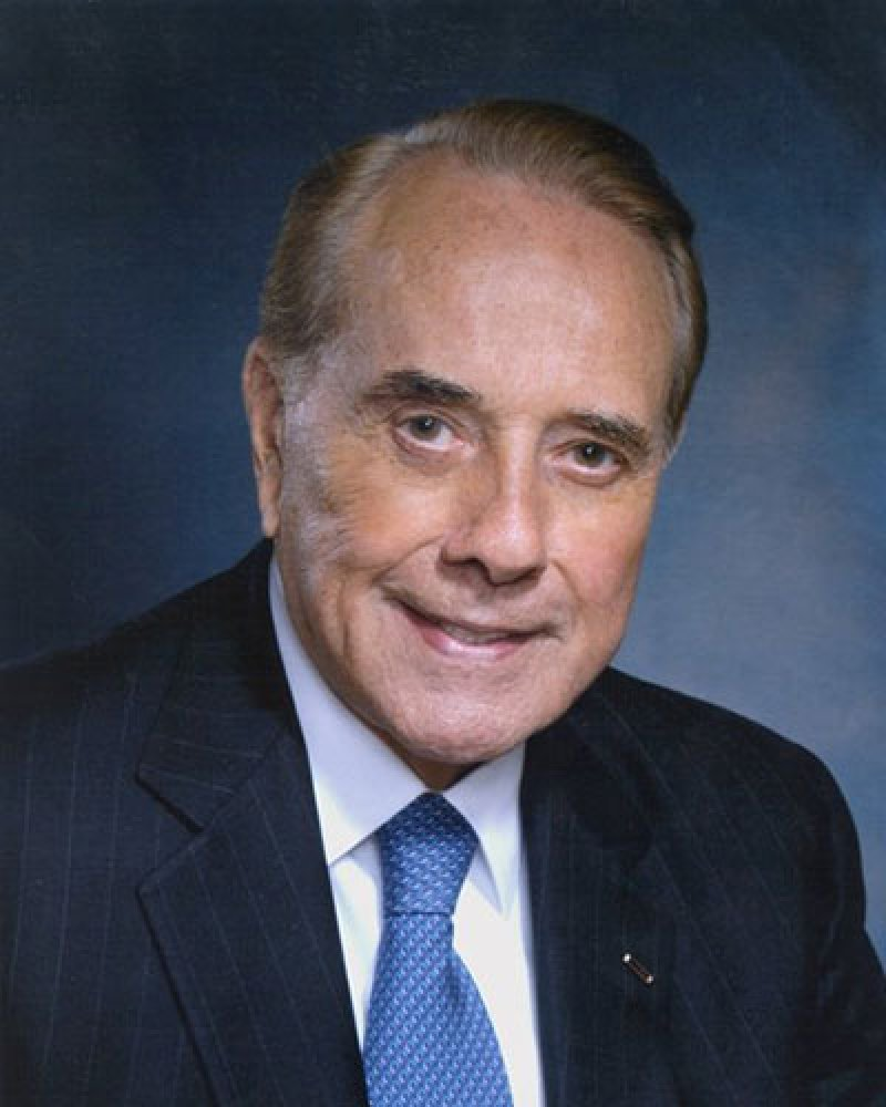 97 Year Old Bob Dole Says He Has Stage 4 Lung Cancer And Will Begin Treatment