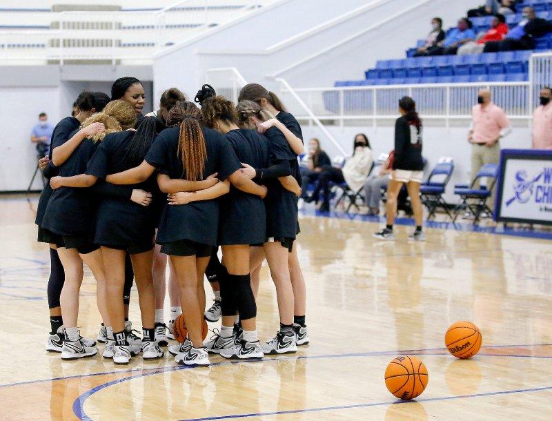 Norman girls basketball-racism-national anthem-state tournament