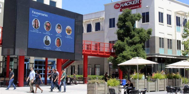 Facebook plans to reopen California HQ on May 10