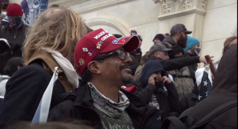 California Trump Fanatic Charged With Electroshocking Cop During Capitol Riot