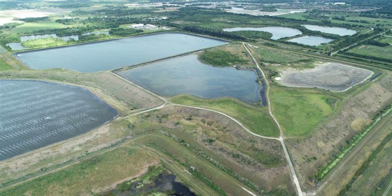 Toxic wastewater reservoir in Florida on brink of collapse; state of emergency declared