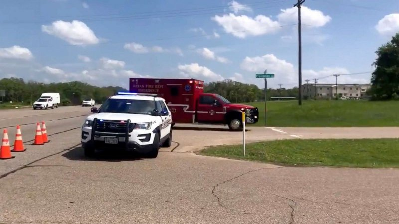 1 dead, 4 critically injured in office shooting; possible suspect in custody