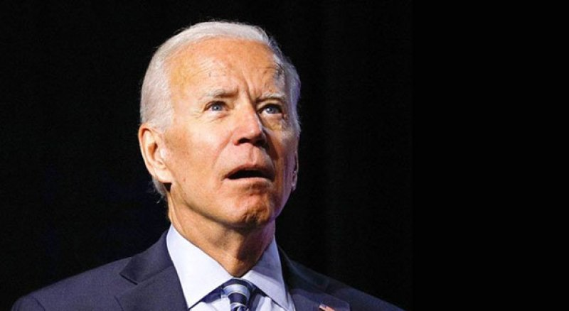 Majority says Biden is out of it, aides are doing his job