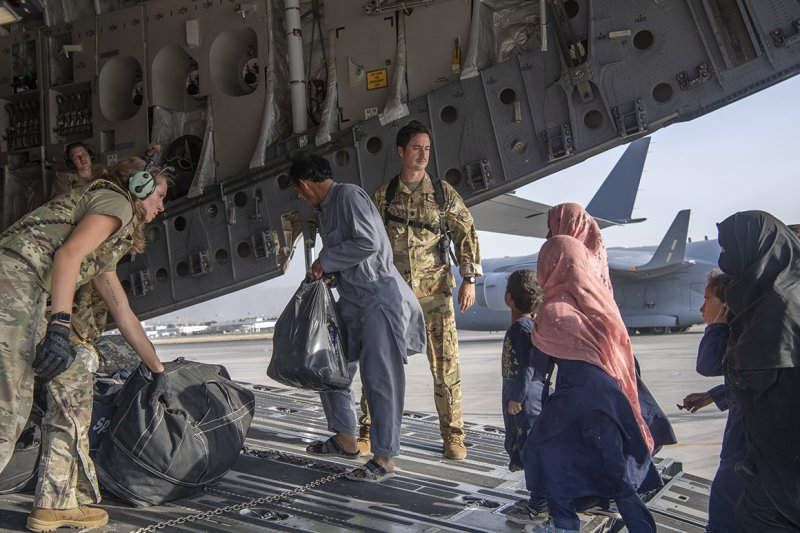 U.S. officials provided Taliban with names of Americans, Afghan allies to evacuate - POLITICO