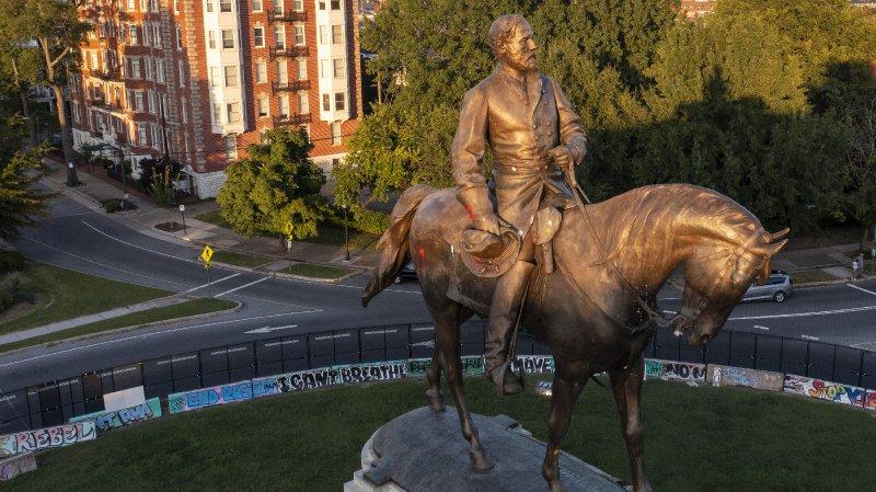 Virginia Ready To Remove Massive Robert E. Lee Statue