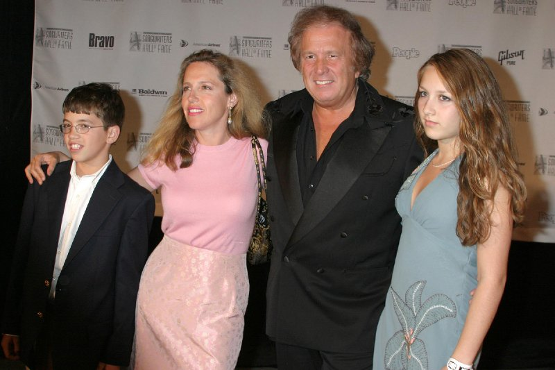 Don McLean cut daughter off financially after her abuse claims