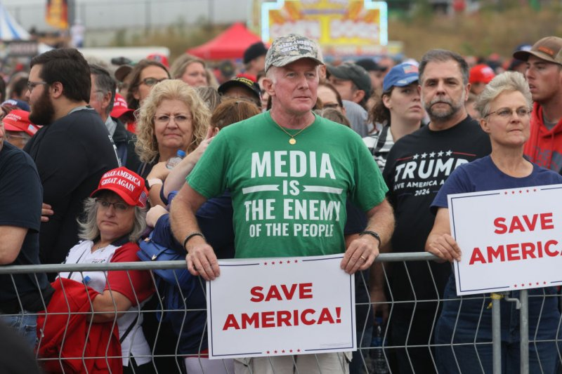 'Civil War' Trends on Twitter After Iowa Trump Rally Attendee's Remarks Go Viral
