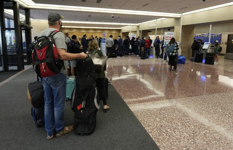 Southwest Airlines cancels more flights, denies COVID jab sickout