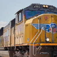 Union Pacific and its unions sue each other over vaccine mandate