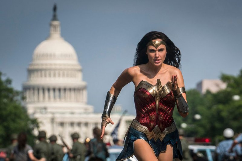 'Wonder Woman 1984' Swooping Into Homes and Theaters Christmas Day