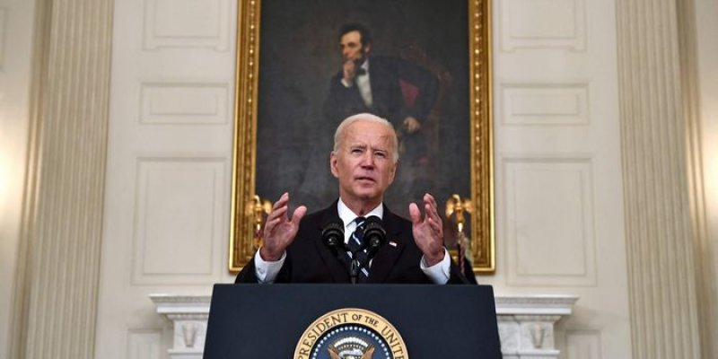 Biden Boosts Vaccine Requirements for Large Employers, Federal Workers to Combat Covid-19  - WSJ