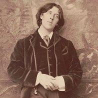 'Oscar Wilde' Review: Portrait of the Artist in Full