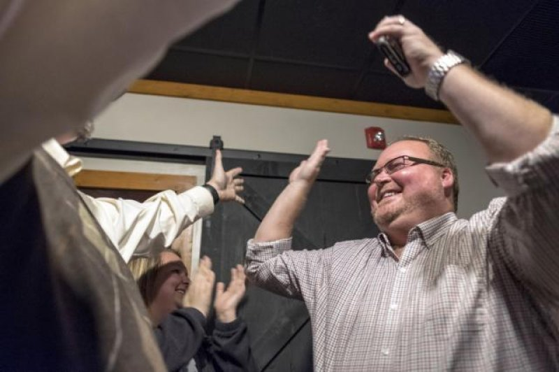 Clerk jailed over marriage licenses loses re-election bid