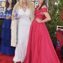 'FIJI water girl' steals the show on Golden Globe Awards red carpet