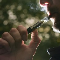 E-cigarettes outperform patches and gums in quit-smoking study