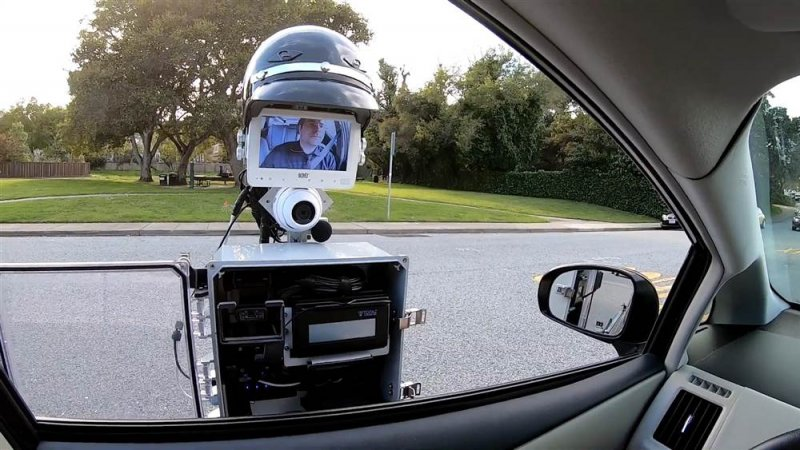 This robot aims to make traffic stops safer for everyone