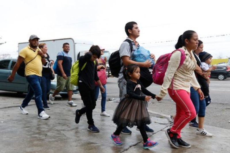 Trump administration to release some migrants caught along southern border into South Florida