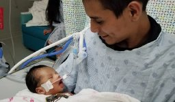 Baby in critical condition after being ripped from mother's womb in Chicago murder case