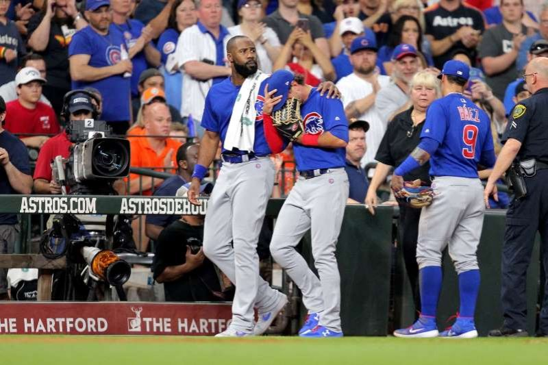 Cubs' Albert Almora inconsolable after foul ball hits child