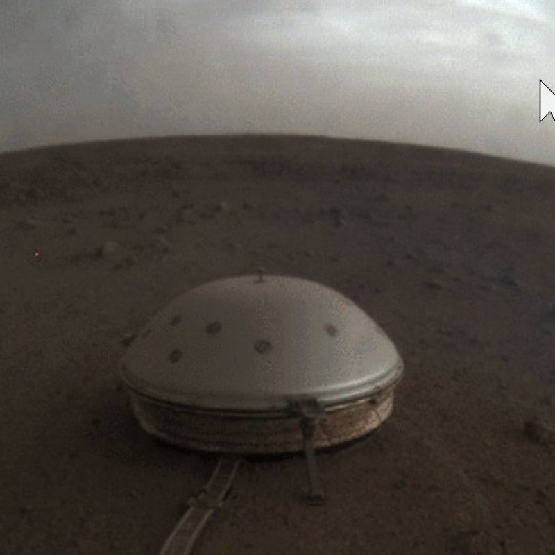 Take a Moment to Admire These Passing Clouds on Mars