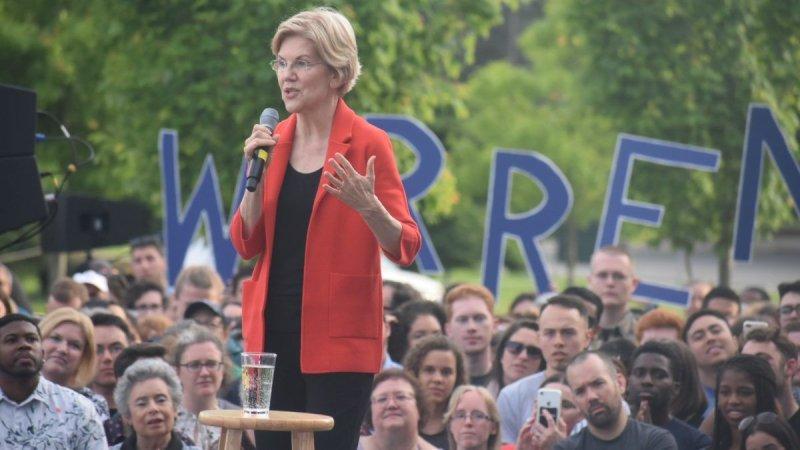 Elizabeth Warren's Budget Math Still Doesn't Work