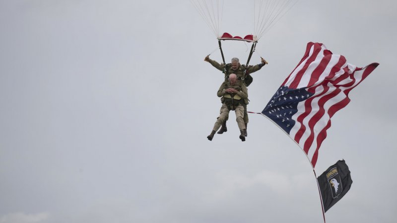 D-Day Vets In Their 90s Parachute Into Normandy 75 Years Later, This Time To Cheers