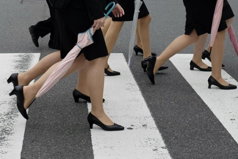 Japan labor minister: Dress codes requiring high heels 'necessary'