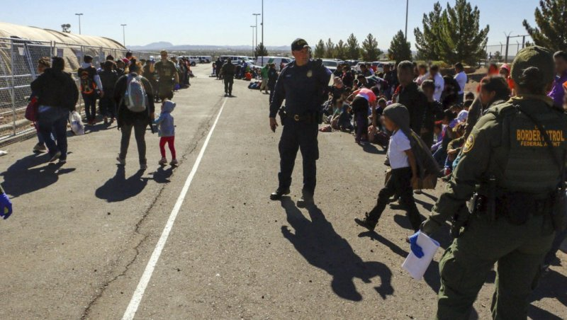 Border Patrol agents fall prey to illnesses plaguing migrant holding centers