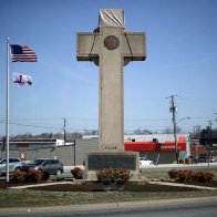 Supreme Court: 40-foot tall, cross-shaped World War I memorial can continue to stand on public land in Maryland
