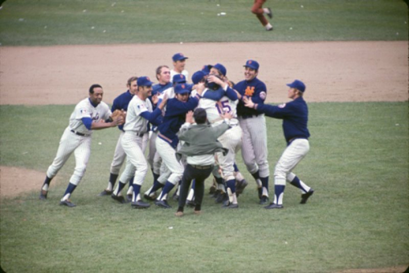 Mets apologize after including two living players in memorial montage during 1969 World Series reunion