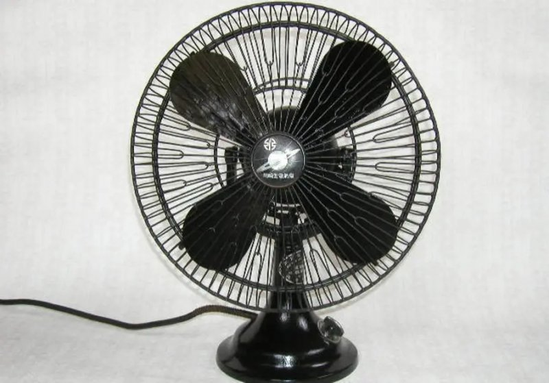 NEW REPORT SAYS NOT TO USE ELECTRIC FANS IN EXTREME HEAT