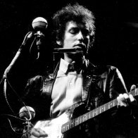 Bob Dylan Goes Electric