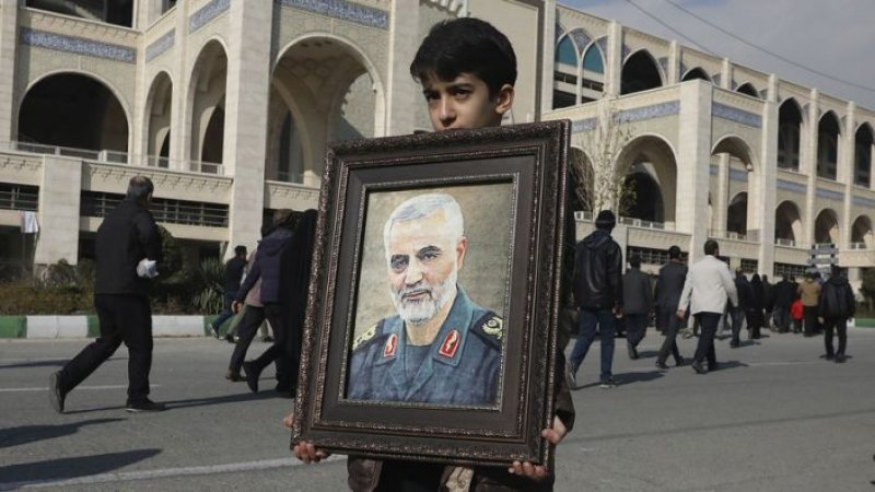 Iran faces dilemma in avenging general's death: To strike back without starting a war