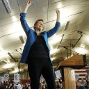Elizabeth Warren under fire for saying she accepted broke college student's 'last few dollars' for her campaign