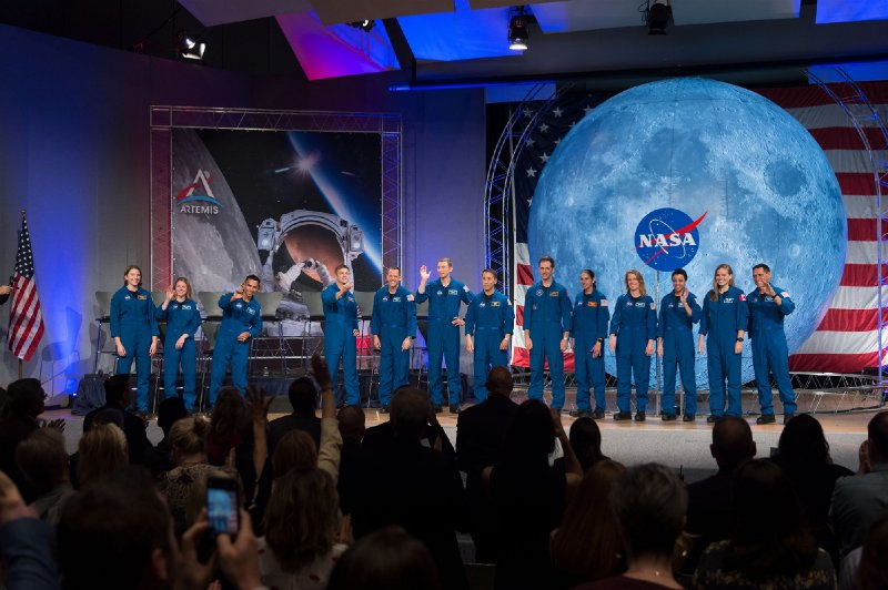 NASA is hiring new astronauts to go to the moon