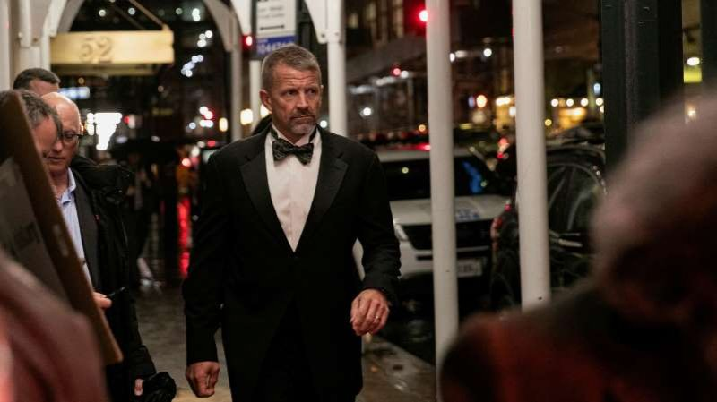 Erik Prince Recruits Ex-Spies to Help Infiltrate Liberal Groups