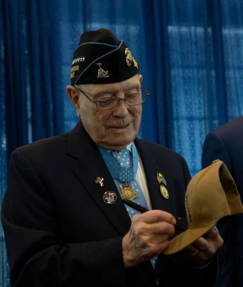 96-Year-Old Iwo Jima War Hero Sees Navy Ship Commissioned in His Name