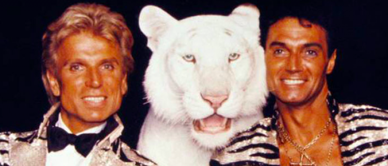 Roy Horn Dead of Coronavirus: Siegfried & Roy Illusionist Was 75 | PEOPLE.com