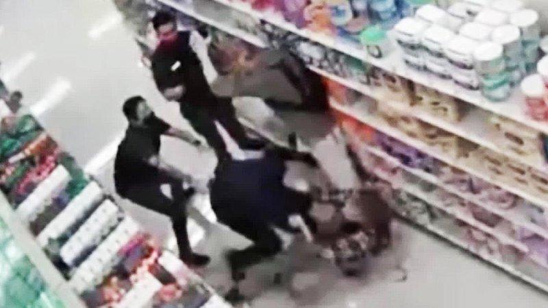 Man refusing to wear mask breaks arm of Target employee - CNN Video