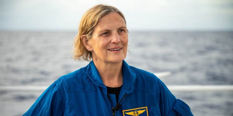 First American woman to walk in space now first woman to reach deepest point of ocean