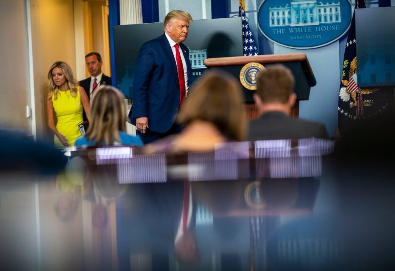 Trump Falsely Claims Much of U.S. 'Corona Free' as 21 States Face 'Red Zone' Outbreaks