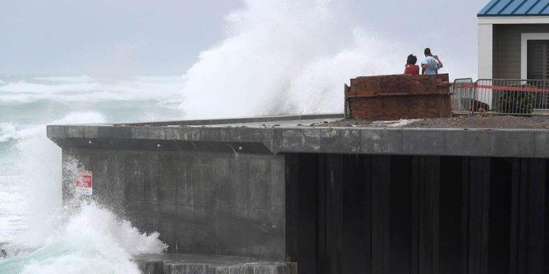 Hurricane Isaias crashes into Carolinas, bringing dangerous winds and rainfall to East Coast