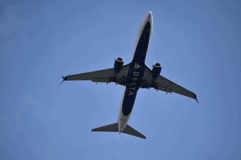 Delta Flight Returns to Gate, Removes Passenger Refusing to Wear Mask