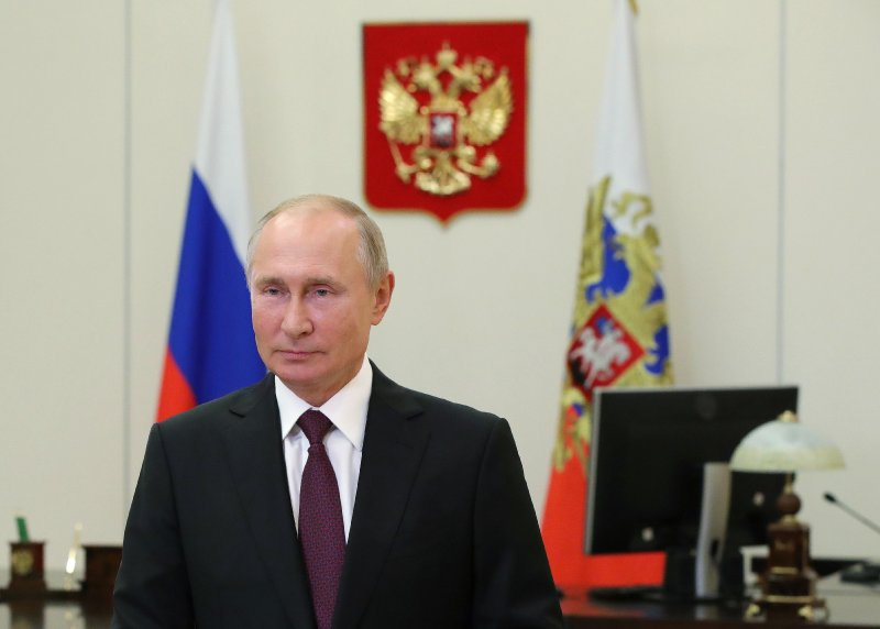 Putin Says He Wants to Work With Biden, Claims 'Shared Values' Between Democrats and Communism