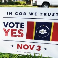 Mississippi voters decide to replace Confederate-themed state flag