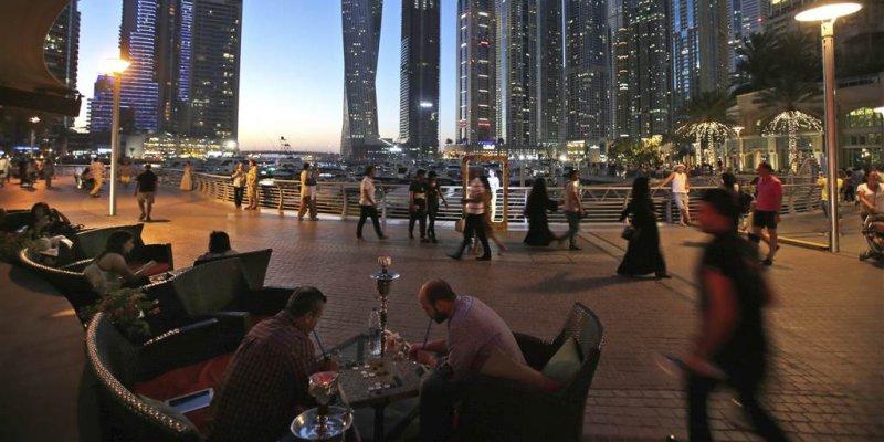 United Arab Emirates relaxes Islamic laws on alcohol and cohabitation, criminalizes 'honor' killings